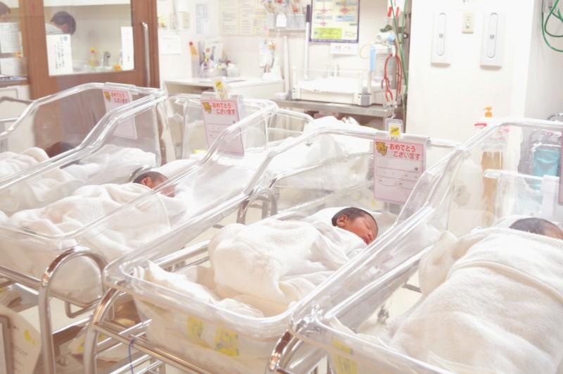 都市部では増えているという新生児。しかし、その現象は長くは続かないという。