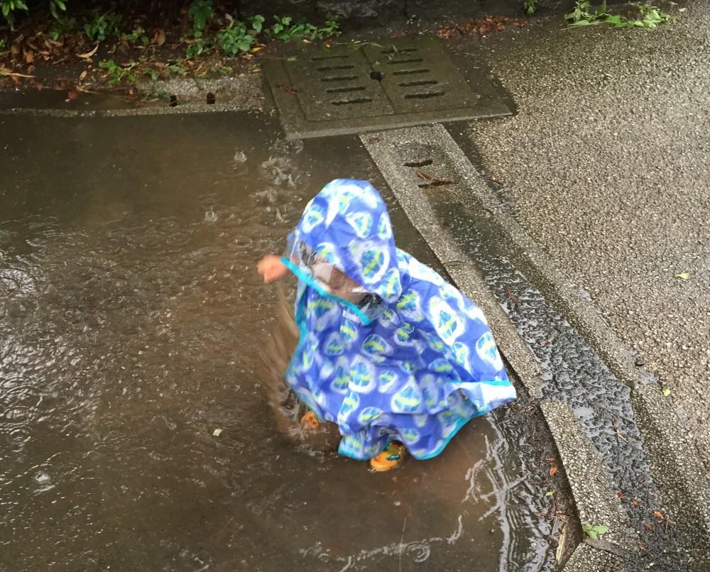 カッパも雨じゃないと着れないので子どもは大喜び