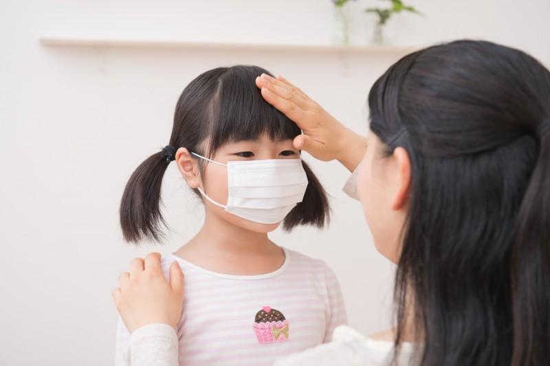発熱での「お迎えコール」。子どもは急に体調を崩すのでママはいつもドキドキです。