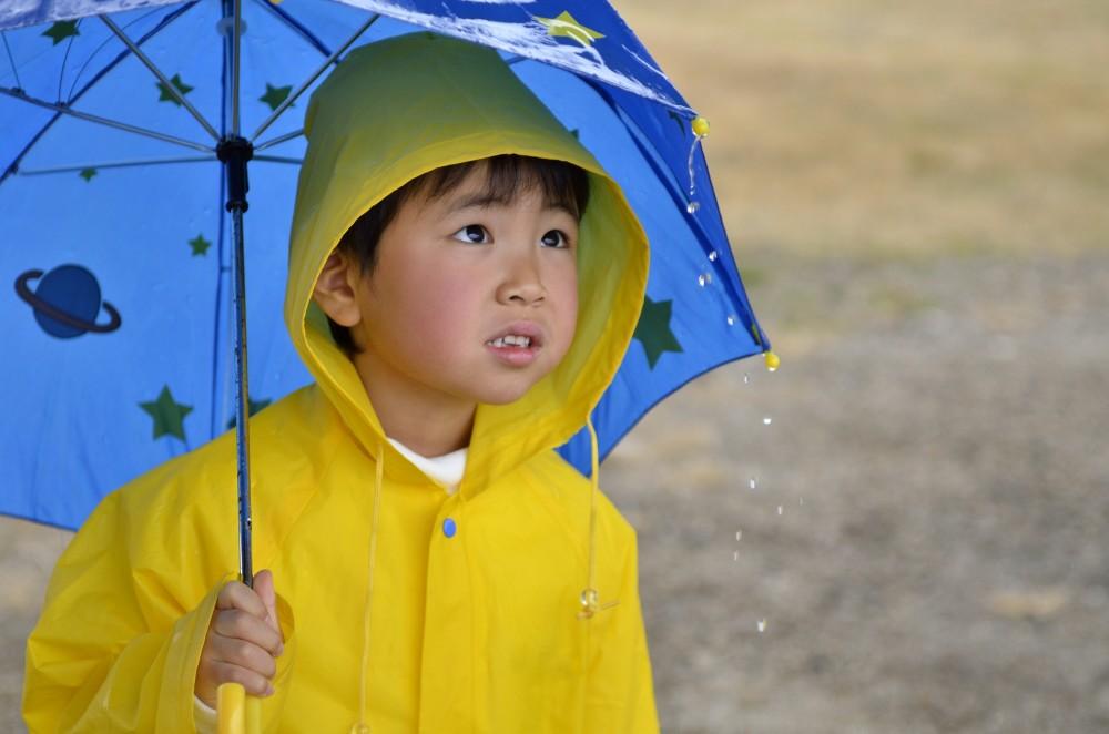 梅雨到来!! 雨の日の送り迎えどうしてる?