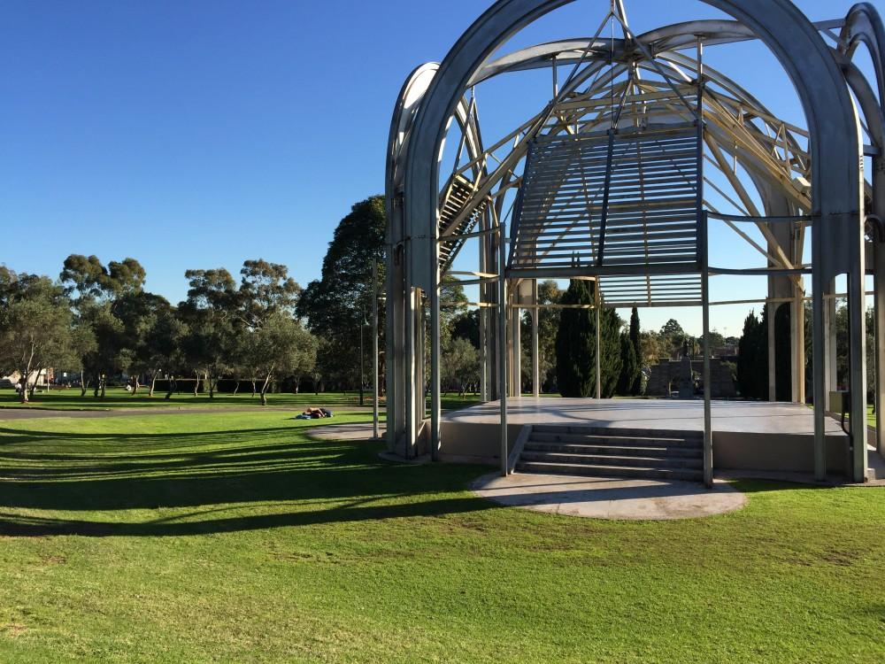 街の至る所に大きな公園が。とにかく広い!
