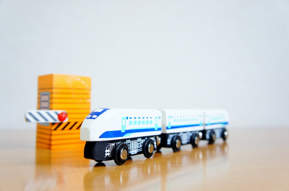 男の子には新しい電車のおもちゃでも良さそうですね