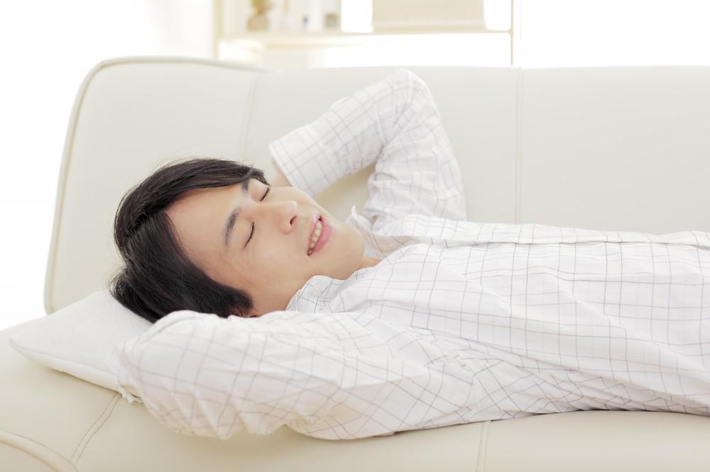 バタバタ家事をしている横で旦那がうたた寝している姿に苛立ちが止まりません
