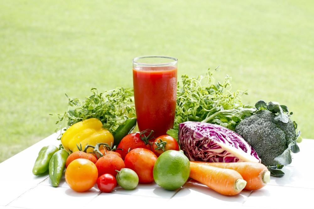 野菜ジュースで栄養を補うのも忙しいワーママには手ですね