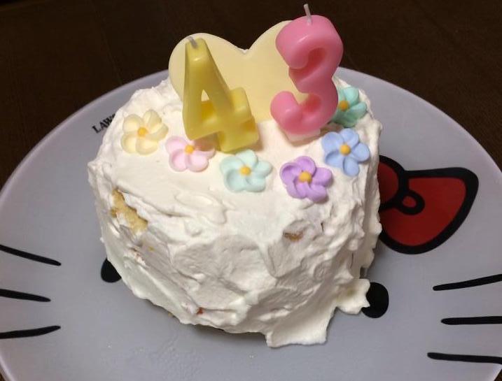 娘が作ったケーキ。デコレーションも上手になってきました。