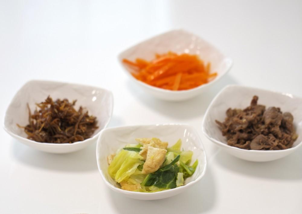 作らなくても安心して食べられるお惣菜を宅配してもらえるなんていい時代です。