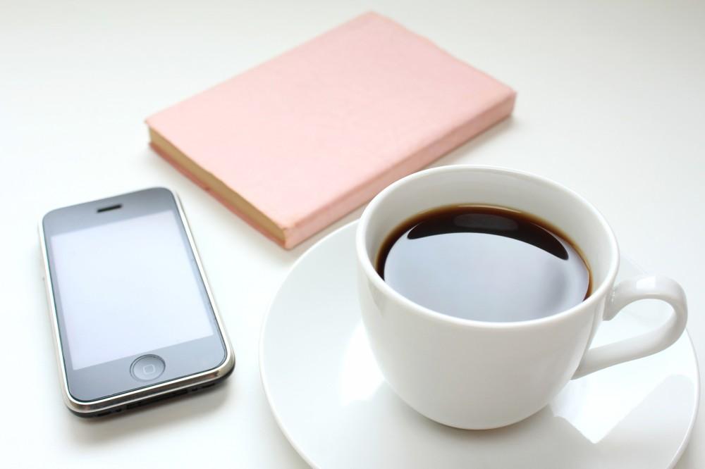ゆっくりコーヒーを飲みながら読書もできますね。