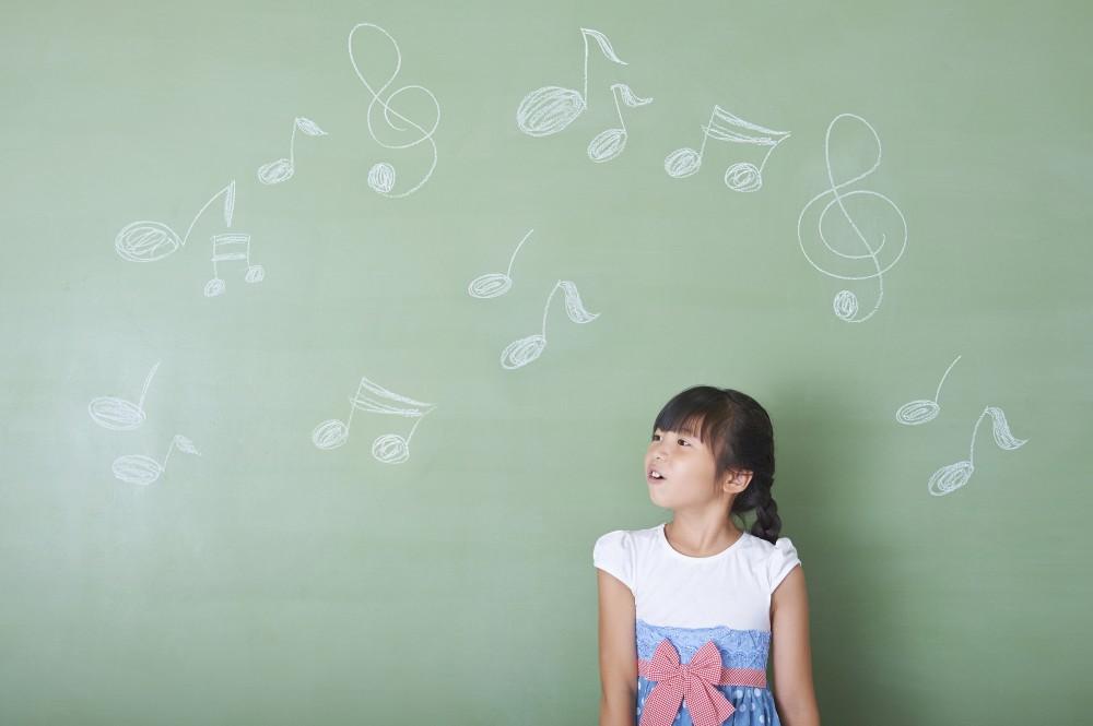 子どもと歌を歌って泣けるなんて、素敵な光景ですね。