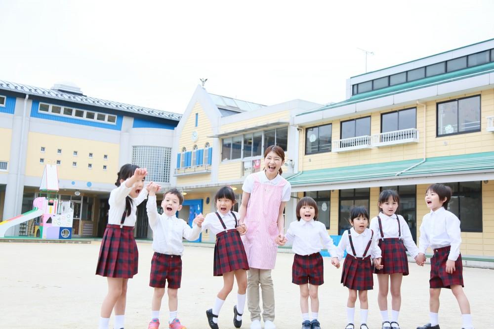 幼稚園には制服などの費用もかかりますね。