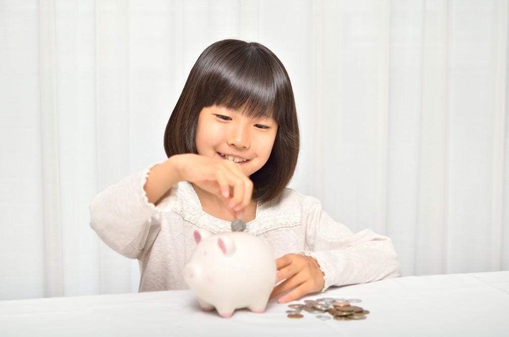 お金に興味がでてきて算数ができたらがタイミングでしょうか。