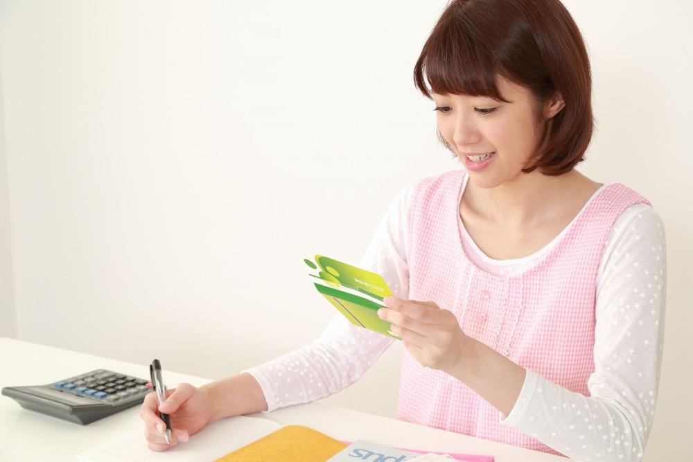 各家庭で貯金額も方法も異なります。