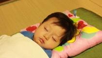 【子どもの夜更かし】みんな苦労している!働くママの「寝かしつけ」事情