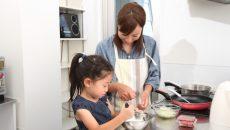 安全に楽しめる「簡単おやつ作り」4選!楽しみながら親子で料理しよう