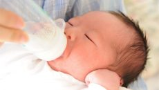完全ミルク育児しています!その理由や感じているメリット、デメリットを聞いた
