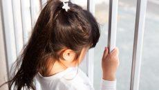 誤飲、転落、道路の飛び出し…子どもに「ヒヤッ」とした先輩ママの体験談!対策もリサーチ