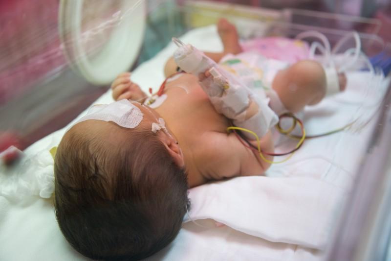 生まれてからだって、長期間病院で過ごす子どもたちもいます