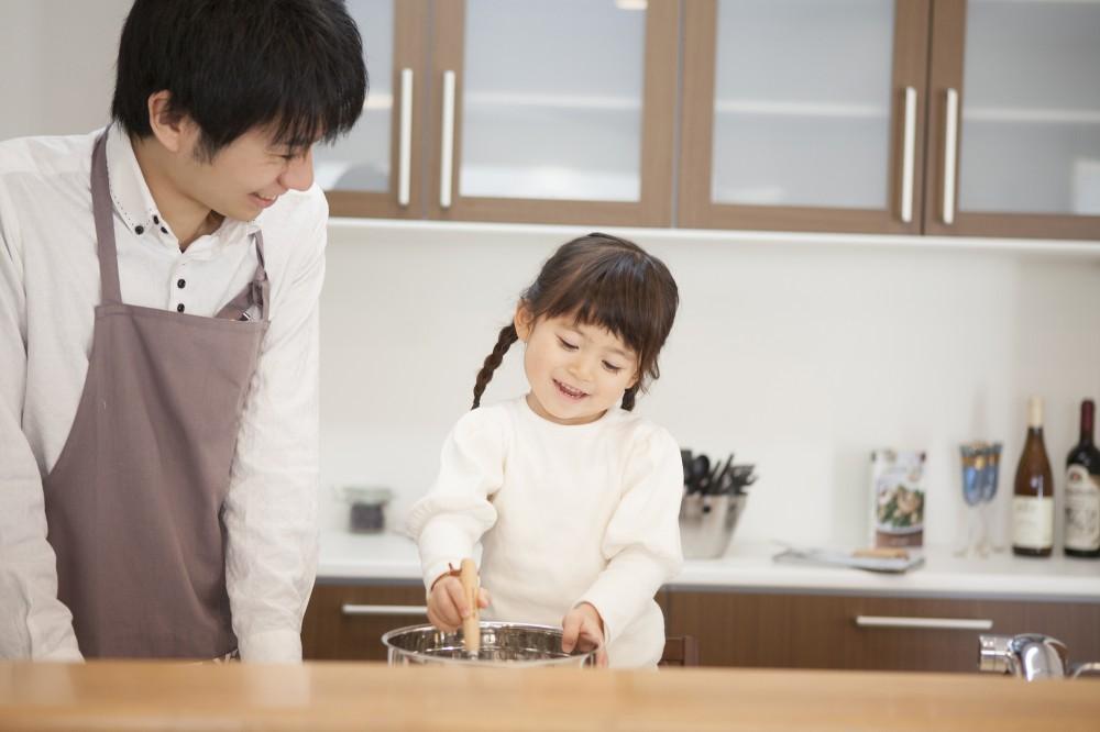 料理はパパから習う!なんて家庭が増えるかも。