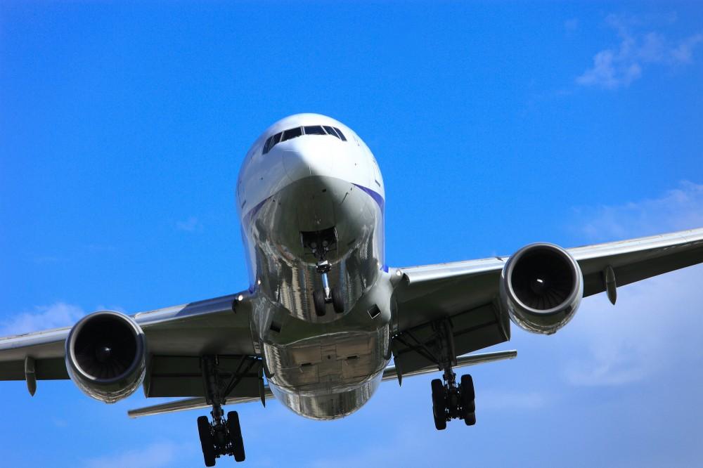 長時間の飛行機を子どもが耐えらえるか心配