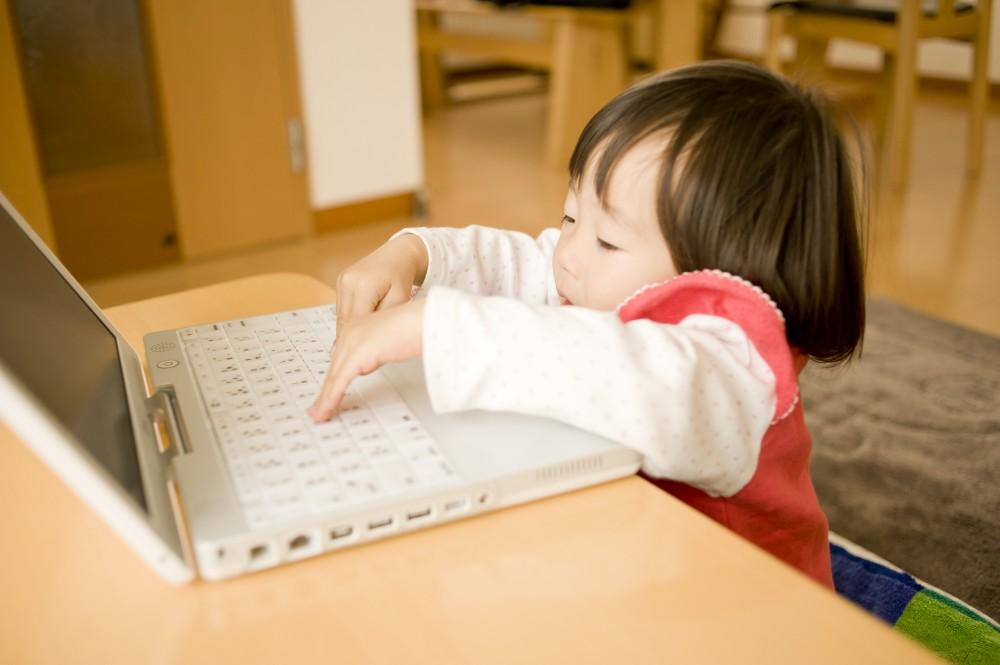 子どもは次から次へと予想外の行動をするため、神経を使います