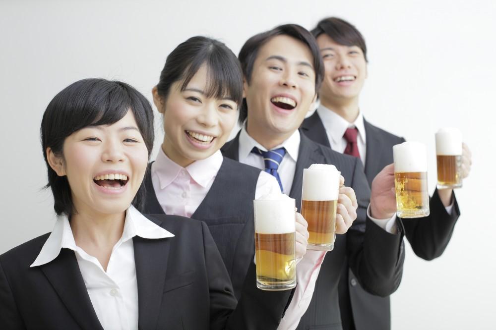 会社の飲み会は断りずらいものです