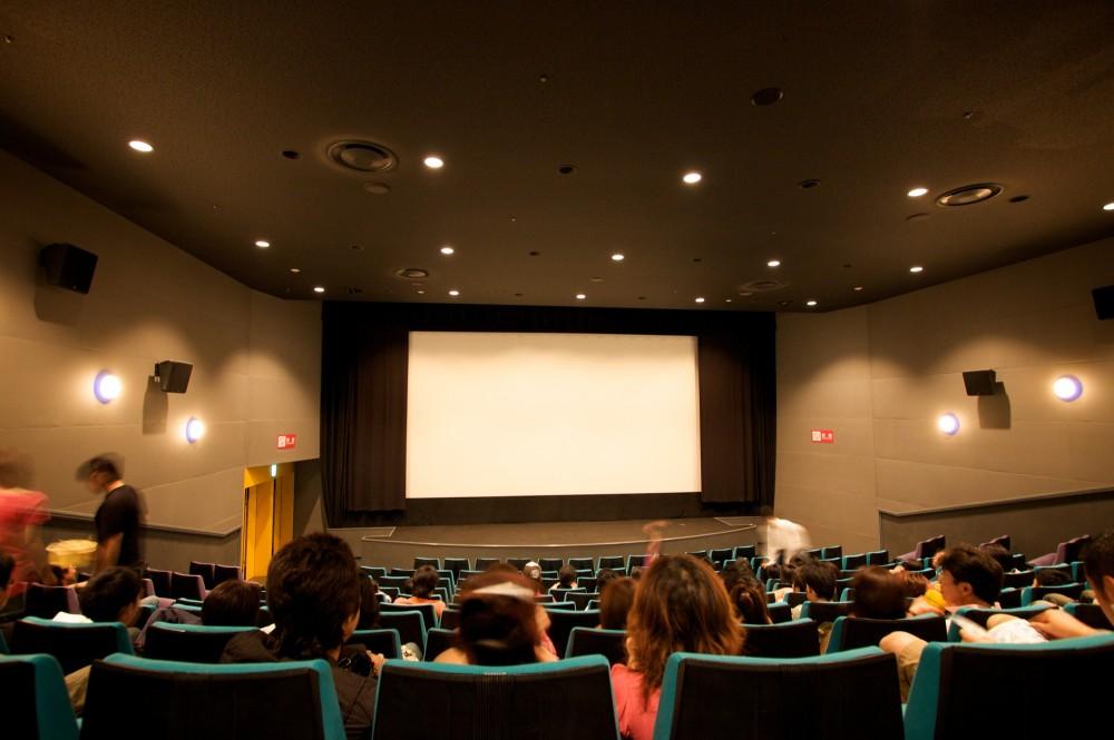 小さな子どもを映画館に連れていくのはなかなか勇気がいるものです