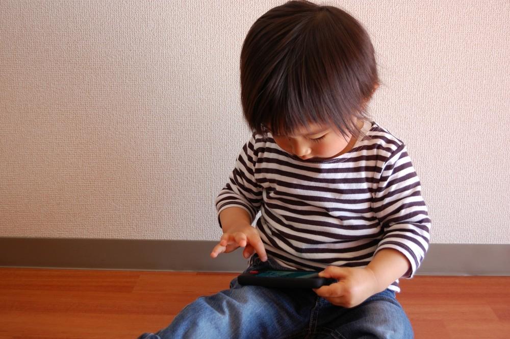 YouTubeの動画など子どもは夢中です。