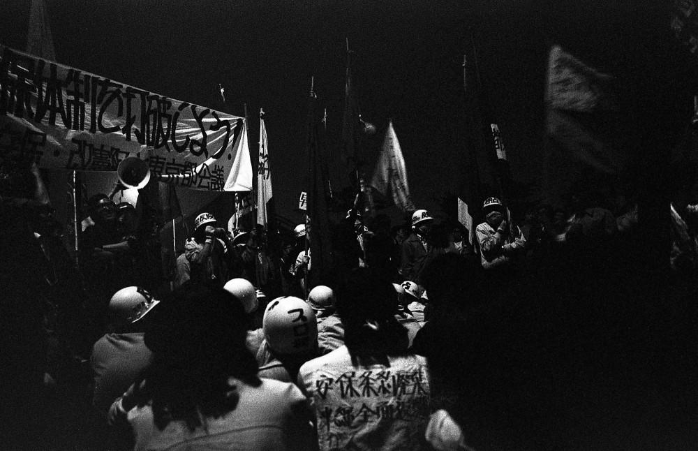 60年代の安保闘争に参加した人から、その孫の世代にあたる人まで、多くの人が全国で声をあげています