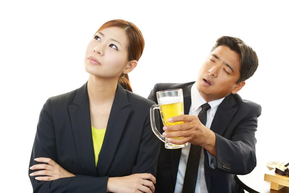 私は「飲みニケーション」好きですが。そうじゃない人もいるのは当然ですよね。