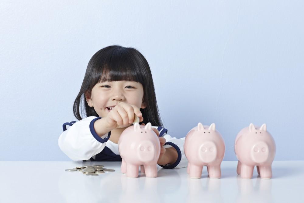 将来使う目的がある、将来の収入が不安、そんな理由で貯蓄する人がほとんど。それに税金って・・・。