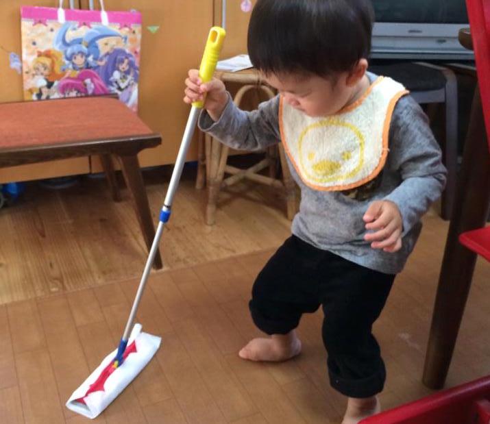 子どもも遊び感覚で掃除ができます。