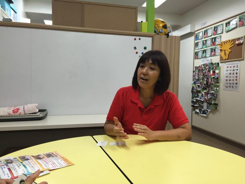 代表の二條さん、インタビュー中も英語教育の大事さを教えてくれました。
