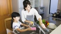 時短の味方! 子どものお手伝い、何歳からどんなことができる?