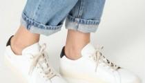 ママはやっぱりスニーカー!春夏大流行した「ホワイトスニーカー」を今っぽく履くには?