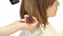 【美容師さんに聞いた!】髪にツヤがないと老けて見える!忙しくてもできる4つの方法とは?