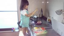 子どものお料理デビュー!何歳から、何ができる? 大事なポイントとは?