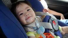 【誤ってロック】子どもが車内に閉じ込められてしまった!そんな時、どうする?